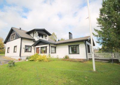 Omakotitalo, 8h+k+s+kellari 240 m², Rovaniementie 736, Liedakkala