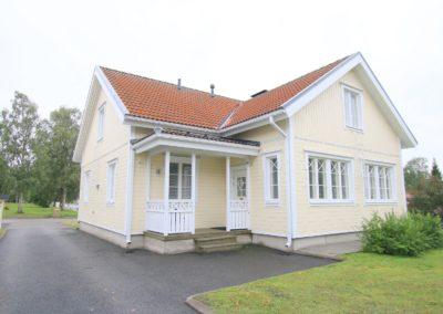 Okt, 5mh+k+oh+aula+2xkph+s 229/260 m², Porthaninkatu 12, Tornio