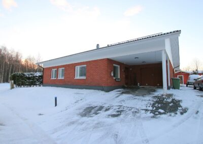 Okt, 3mh+th+oh+k+s+takkahuone+at, 168,5 m2, Roantie 23, Tornio