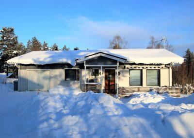 Okt, 2mh+oh+k+khh+kp+s+at, 109 m²+40 m², Perämiehenkatu 1, Tornio